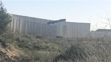 Israel continues building wall opposite al-Adeisseh (Video)