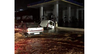 Heavy rainfall turns Batroun highway into lake (Photos)
