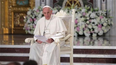 Pope urges Hungarians, Romanians to put troubles behind them
