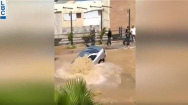Car falls in a water filled hole in Khaldeh