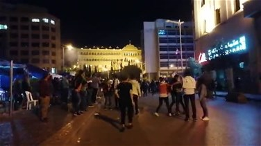 Clash in Riad al-Solh between protesters and riot police (Videos)
