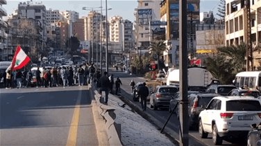 Jounieh highway blocked in both directions (Videos)