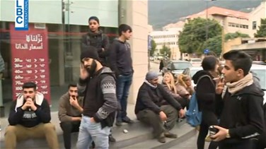 Protesters hold sit-in outside Alfa store in Jounieh-[VIDEO]
